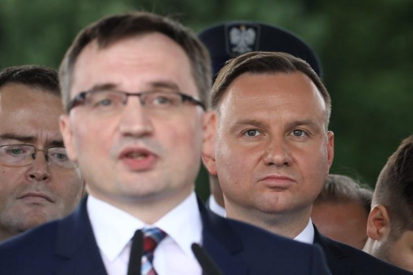 Minister sprawiedliwości Zbigniew Ziobro i prezydent Andrzej Duda /STANISLAW KOWALCZUK /East News