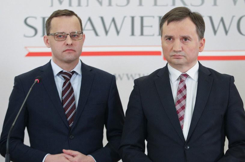 Minister sprawiedliwości Zbigniew Ziobro i wiceminister Marcin Romanowski /Tomasz Jastrzębowski /Reporter