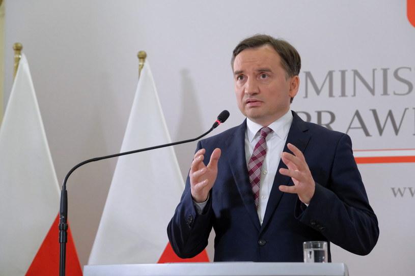 Minister sprawiedliwości Zbigniew Ziobro podczas konferencji prasowej /Mateusz Marek /PAP