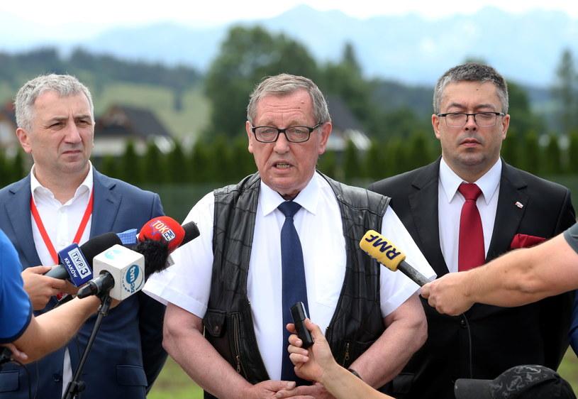 Minister środowiska Jan Szyszko (C) /Grzegorz Momot /PAP