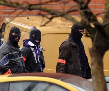Minister zaprzecza: Morderca z Tuluzy nie został ujęty