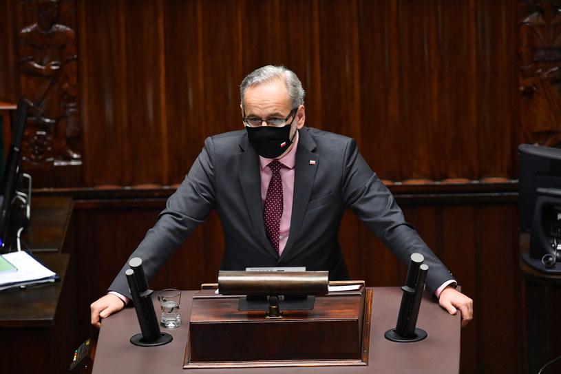 Minister zdrowia Adam Niedzielski na sali obrad Sejmu / Radek Pietruszka   /PAP
