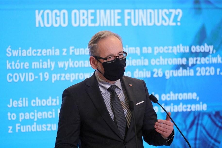 Minister zdrowia Adam Niedzielski podczas konferencji prasowej w Ministerstwie Zdrowia w Warszawie /Paweł Supernak /PAP