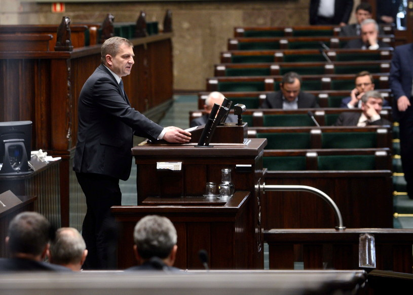 Minister zdrowia Bartosz Arłukowicz  podczas debaty o in vitro /Jakub Kamiński   /PAP