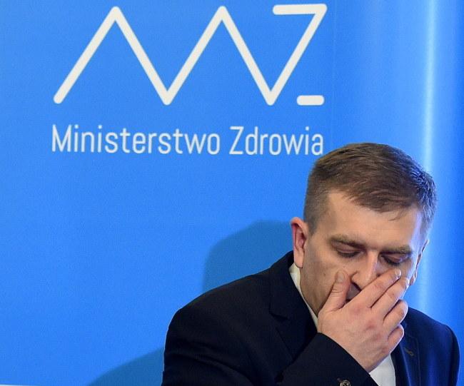 Minister zdrowia Bartosz Arłukowicz podczas konferencji prasowej /Radek Pietruszka /PAP