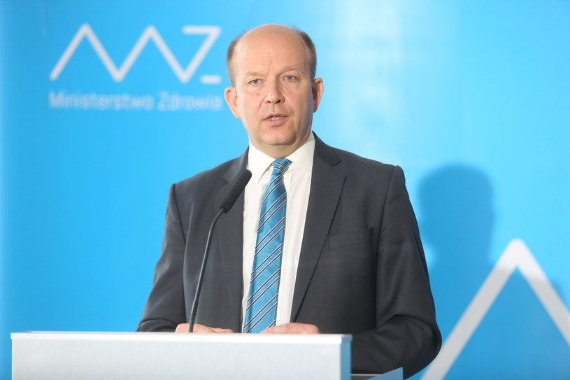 Minister zdrowia Konstanty Radziwiłł, podczas konferencji prasowej w Warszawie, w sprawie sytuacji w Centrum Zdrowia Dziecka /Leszek Szymański /PAP