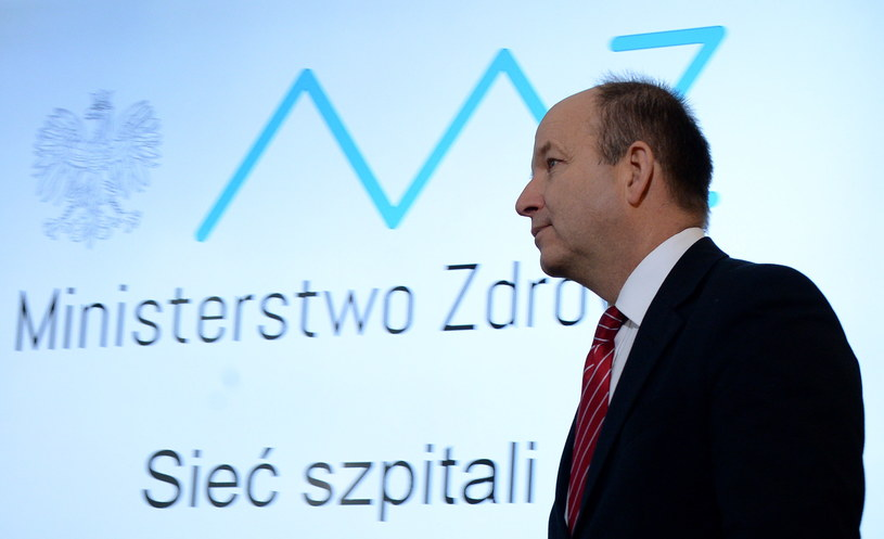 Minister zdrowia Konstanty Radziwiłł podczas konferencji prasowej w siedzibie resortu /Jacek Turczyk /PAP