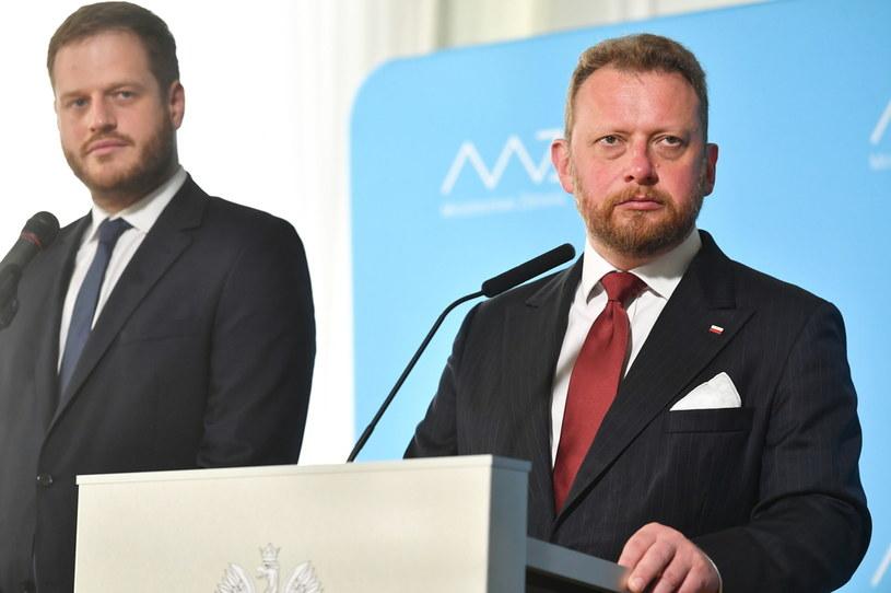 Minister zdrowia Łukasz Szumowski i wiceminister zdrowia Janusz Cieszyński /Piotr Nowak /PAP