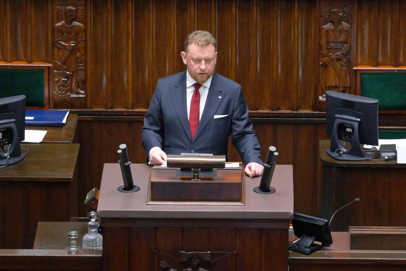 Minister zdrowia Łukasz Szumowski przemawia podczas dodatkowego posiedzenia Sejmu /Mateusz Marek /PAP