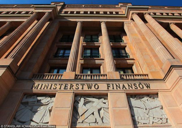 """Ministerstwo Finansów: """"Argumenty przytaczane przez S&P dotyczą tylko sfery zmian politycznych w Polsce"""" /East News"""