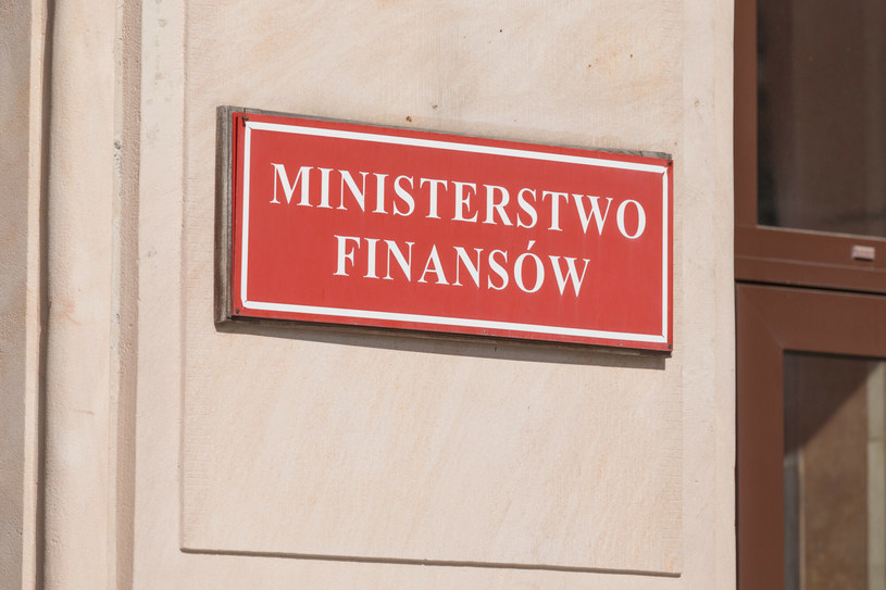 Ministerstwo Finansów opublikowało wstępne dane o zadłużeniu Skarbu Państwa na koniec maja 2021 r. /Arkadiusz Ziółek /East News