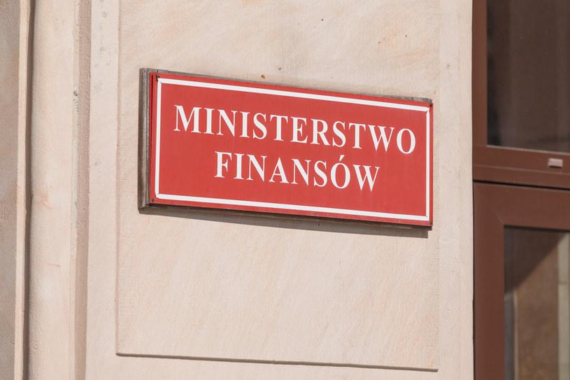 Ministerstwo Finansów zwalnia z akcyzy alkohol etylowy użyty do produkcji środków biobójczych (zdjęcie ilustracyjne) /ARKADIUSZ ZIOLEK /East News
