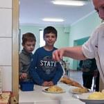 Ministerstwo Zdrowia chce wydać poradnik dla szkół ws. żywienia uczniów