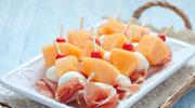 Miniszaszłyki z mozzarellą i melonem