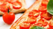 Minitarty z pomidorami
