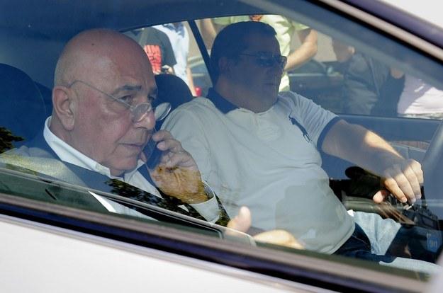 Mino Raiola (z prawej) w towarzystwie legendy Milanu - Adriano Gallianiego /AFP