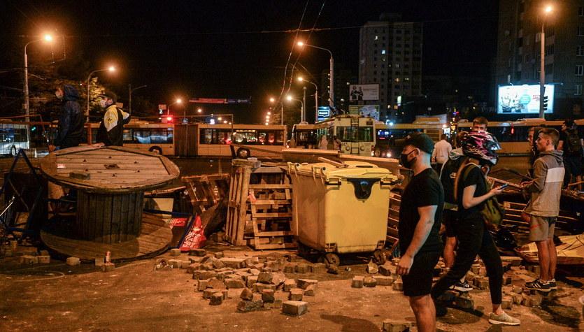Mińsk: Kolejna noc starć milicji z demonstrującymi