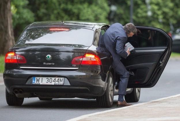 Minster Nowak ma do dyspozycji Skodę Superb z kierowcą / Fot: Andrzej Iwańczuk /Reporter