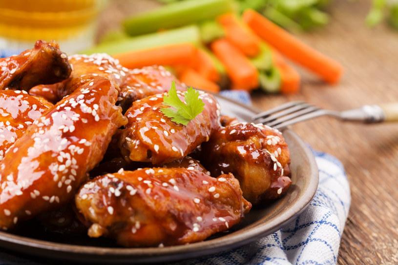 Miodowe filety z kurczaka /123RF/PICSEL