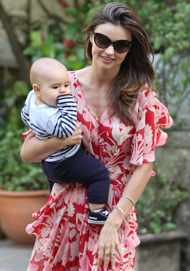 Miranda Kerr z synem  /Splashnews