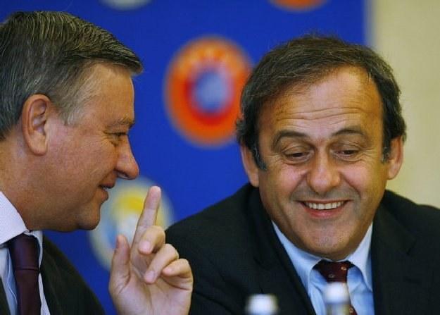 Mircea Sandu (z lewej) i szef UEFA Michel Platini /AFP