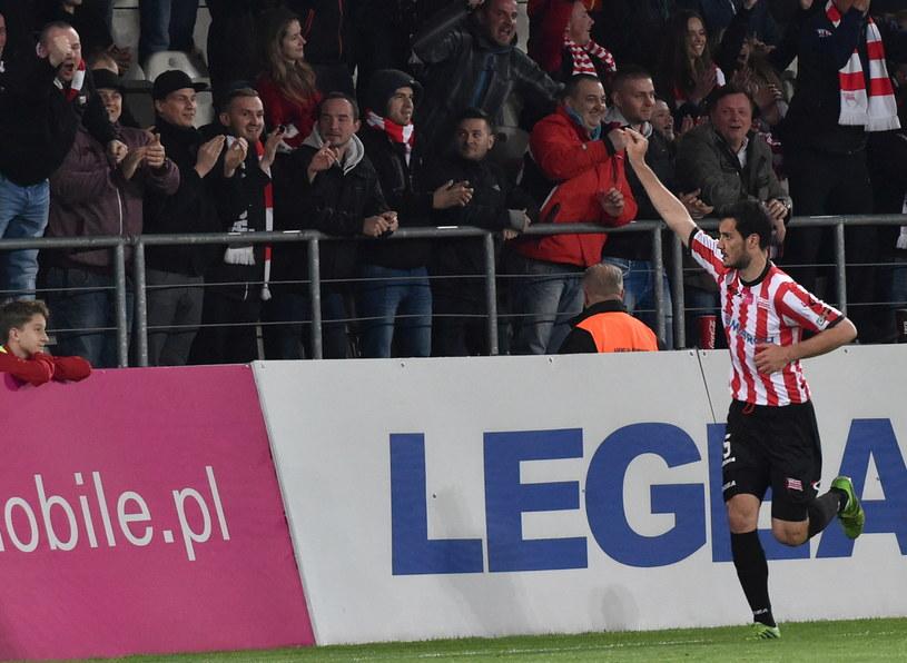Miroslav Czovilo cieszy się z gola podczas meczu Cracovii z PGE GKS-em Bełchatów /Jacek Bednarczyk /PAP