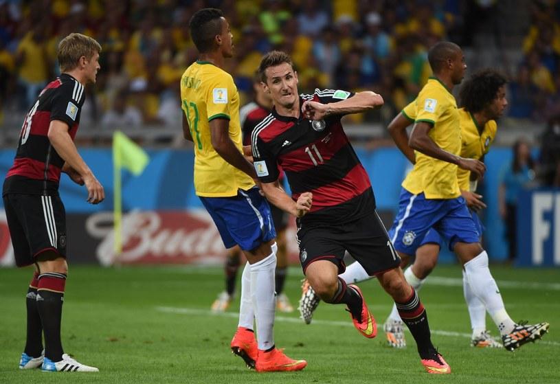 Miroslav Klose pochodzi z Górnego Śląska, stał się symbolem niemieckiego futbolu (na zdjęciu podczas meczu Brazylia - Niemcy 1-7 na MŚ 2014) /AFP