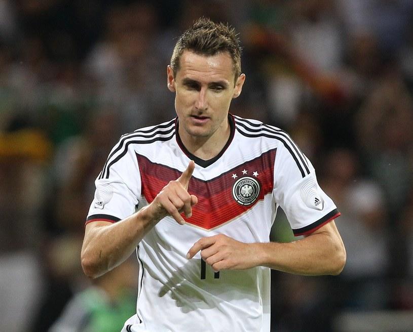 Miroslav Klose strzelił na mistrzostwach świata 14 goli /AFP