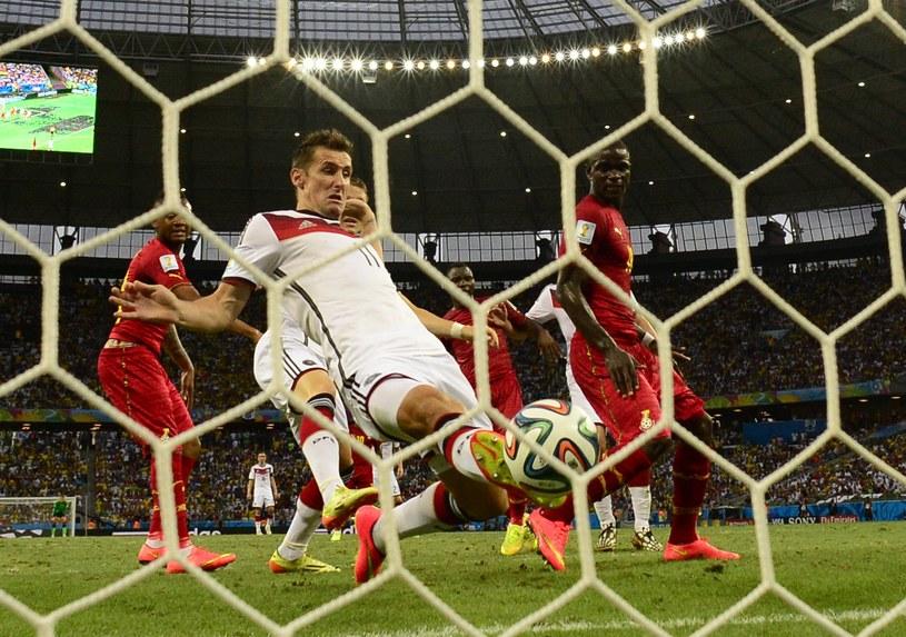 Miroslav Klose zdobywa 15. bramkę na mundialu /AFP