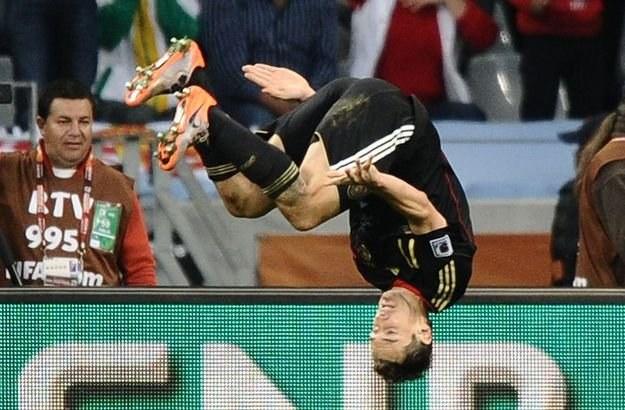 """Miroslav Klose znany jest także jako """"Salto Klose"""" /AFP"""