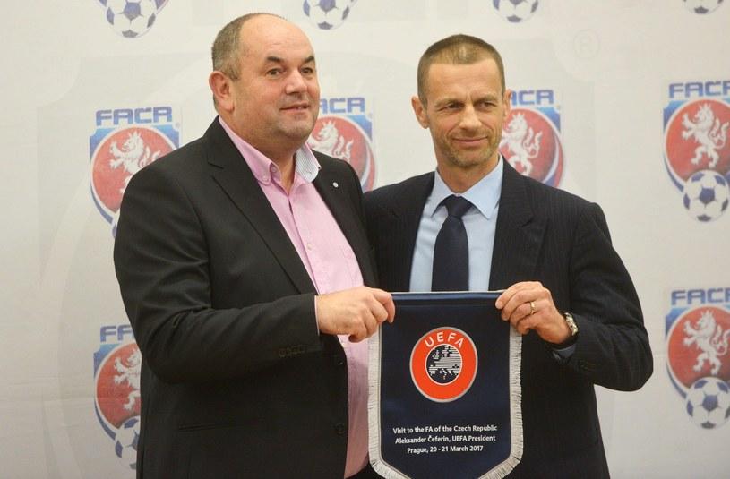 Miroslav Pelta (z lewej), obok Aleksander Czeferin, szef UEFA /AFP