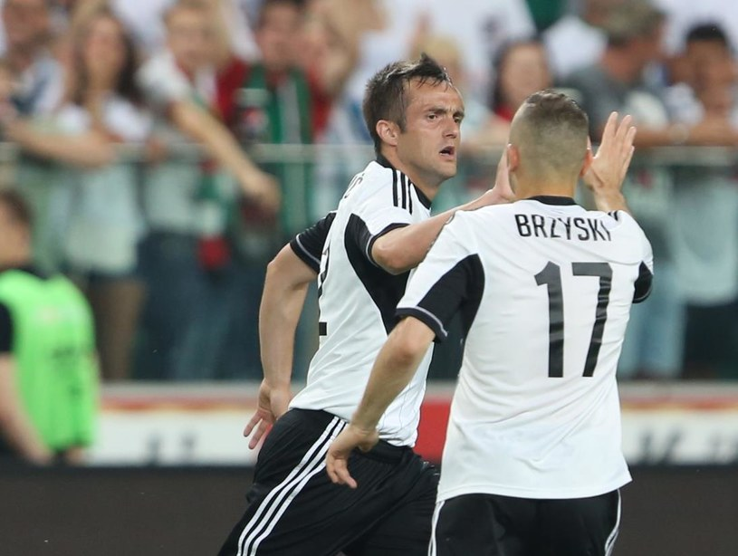 Miroslav Radović i Tomasz Brzyski w meczu z Celtikiem /Fot. Leszek Szymański /PAP