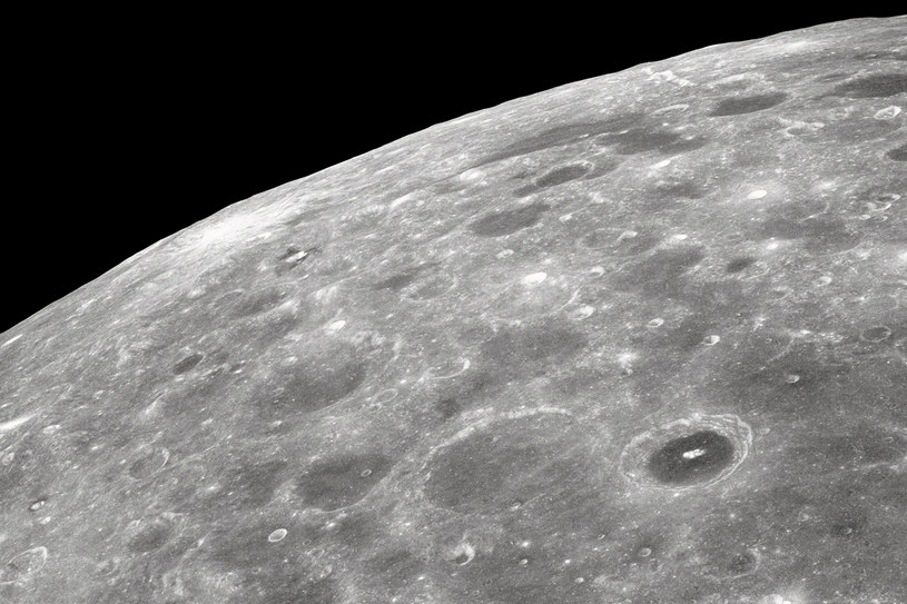 Misja LRO przyniosła wiele nowych informacji na temat Księżyca /AFP