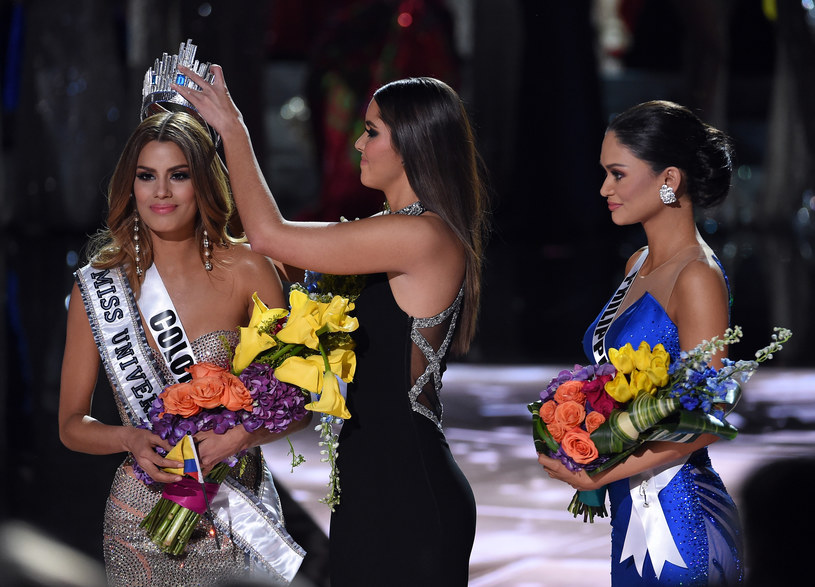 Miss Universe 2014 odbiera koronę Ariadnie Gutierrez /AFP