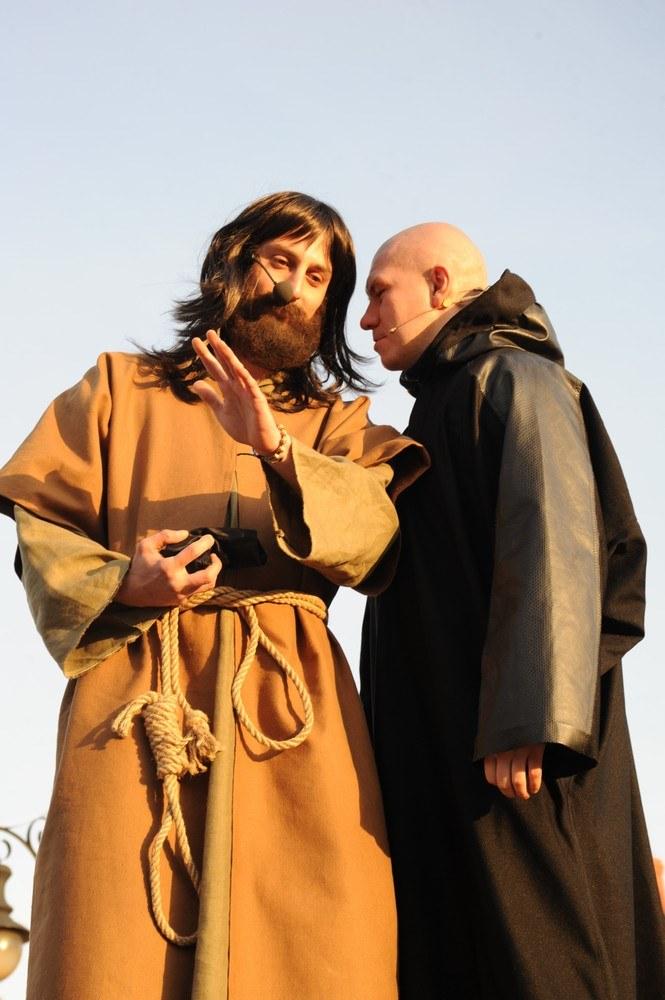 Misterium Męki Pańskiej w Górze Kalwarii. Postaci Judasza i Szatana odgrywają mieszkańcy miasta /Zenon Zyburtowicz /East News