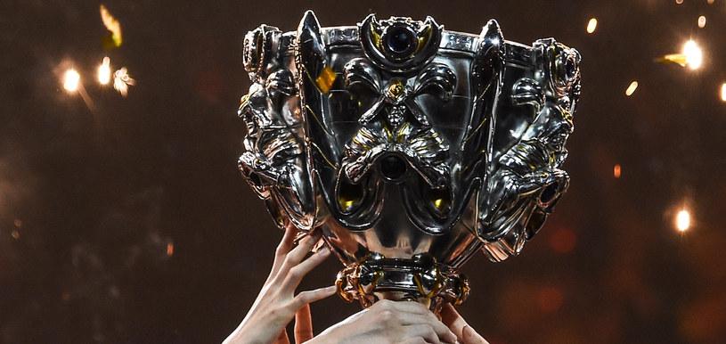 Mistrzostwa Świata w League of Legends co roku przyciągają przed ekrany mnóstwo fanów gry Riot Games /AFP