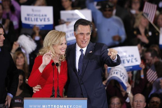 Mit Romney z żoną świętuje zwycięstwo w swym rodzinnym stanie Michigan /AFP