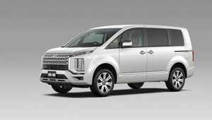 Mitsubishi D:5 Delica - trochę van, trochę SUV