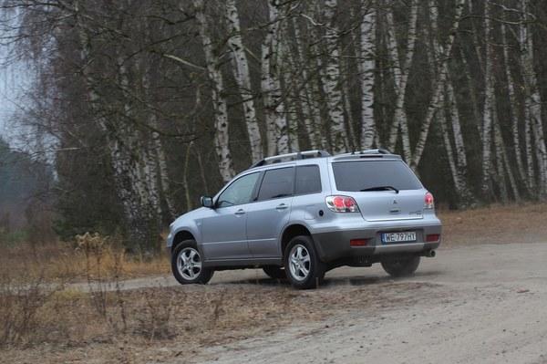 Mitsubishi Outlander 2003 2007 Zdj 3 Magazynauto