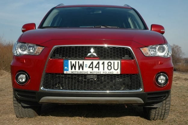 Mitsubishi outlander, lider sprzedaży... /INTERIA.PL