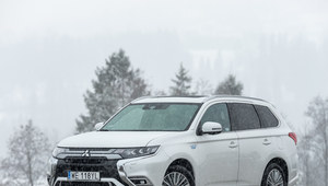 Mitsubishi Outlander PHEV wraca do Polski