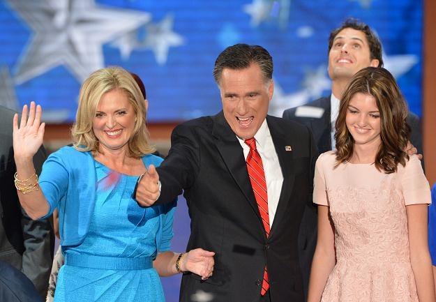 Mitt Romney z rodziną na konwencji w Tampie /PAP