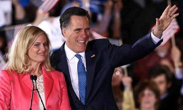 Mitt Romney z żoną /AFP