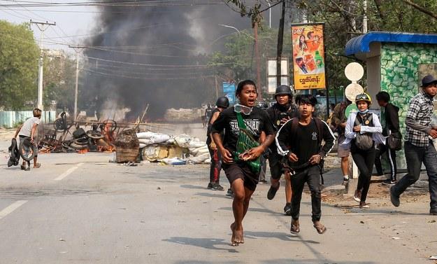 Mjanma /STRINGER /PAP/EPA