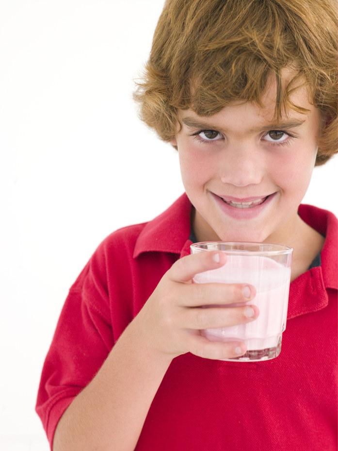 mleko dla dzieci /© Photogenica