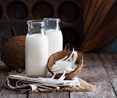 Mleko kokosowe. Czy jest zdrowsze od krowiego?