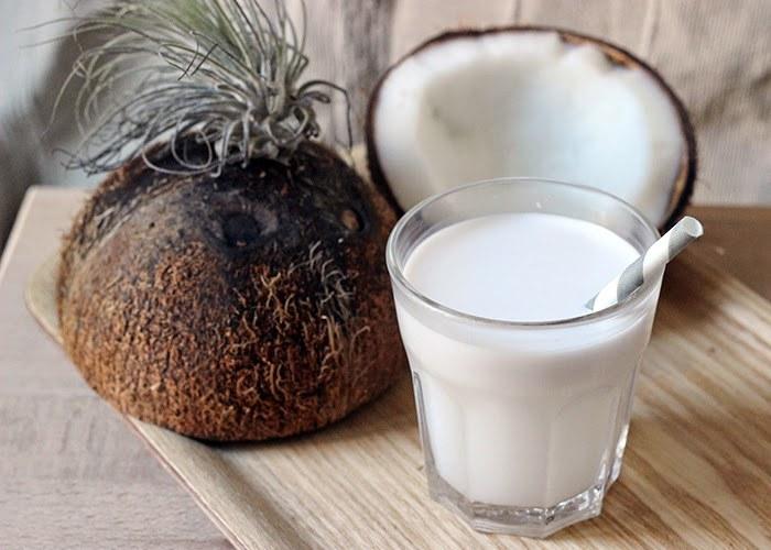 mleko kokosowe /© Photogenica