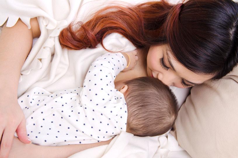 Mleko matki to najbardziej wartościowy pokarm /123RF/PICSEL