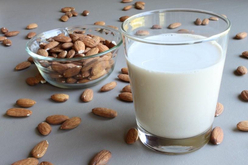 mleko migdałowe /© Photogenica