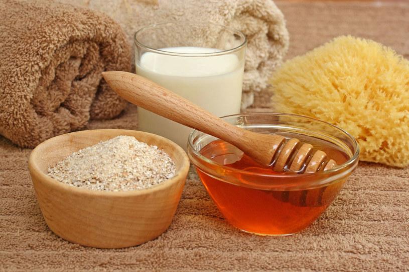 Mleko, miód i płatki owsiane - zrobisz z nich domowe kosmetyki /123RF/PICSEL